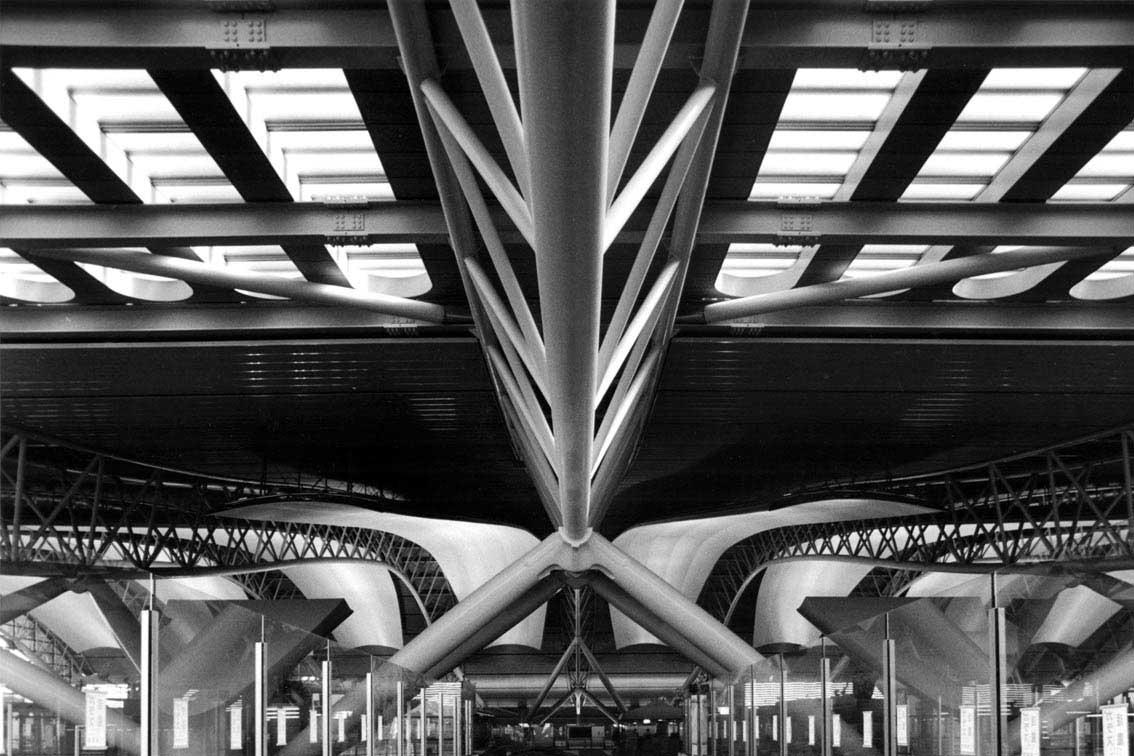 Aeroporto Osaka Renzo Piano : Renzo piano visto da gianni berengo gardin su architettura