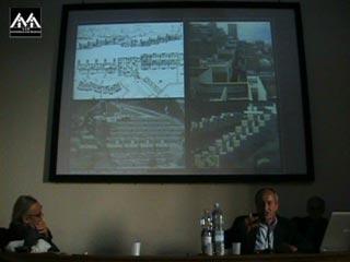 Carlo Aymonino: La bella architettura /  Francesco Moschini: L'Italia al centro 1945-1990